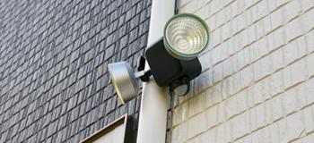 防犯ライトの設置
