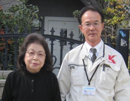 池田市 石澤様(左)と営業の松田