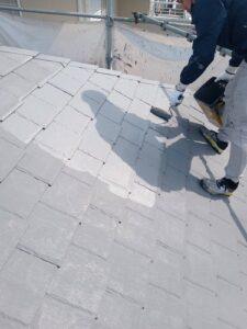 高槻市 屋根塗装上塗り2回目